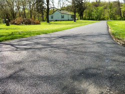 Long paved driveway in House Springs, Missouri
